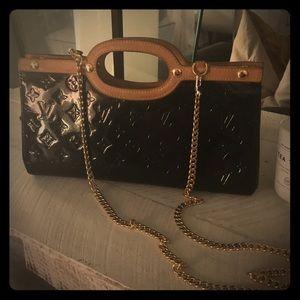 💯Authentic Louis Vuitton Roxbury vernis